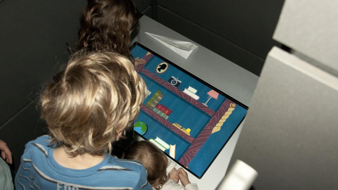 Foto von interaktiver Station von der Dieb der Geschichte im Museum